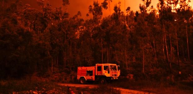 Incêndio de grandes proporções matou 64 pessoas e deixou mais de 200 feridos em Portugal - Patricia De Melo Moreira/ AFP