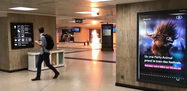 20.jun.2017 - Momento de explosão na Estação Central de Bruxelas, na Bélgica