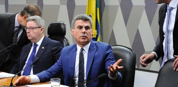 Senador Romero Jucá apresentou parecer favorável à reforma em comissão do Senado