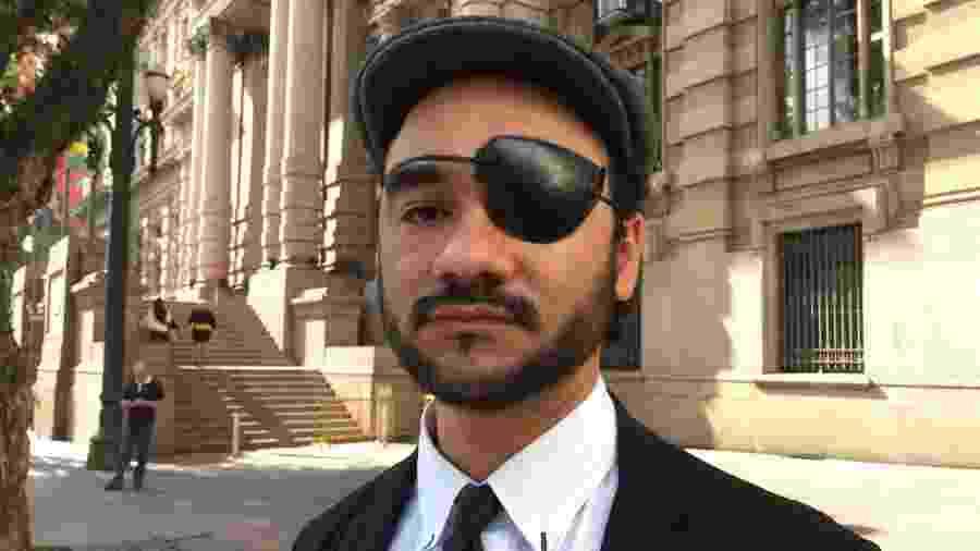 Sérgio Silva perdeu o olho esquerdo ao ser atingido por uma bala de borracha disparada por um PM em 13 de junho de 2013 - UOL
