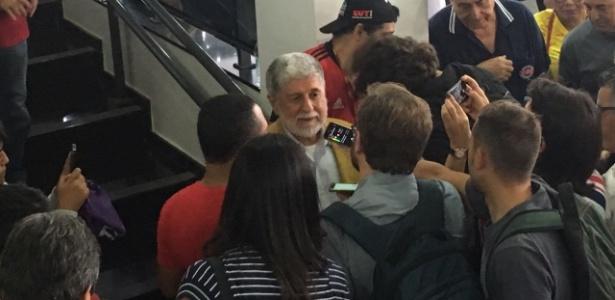 Celso Amorim no Sindicato dos Metalúrgicos antes da prisão de Lula