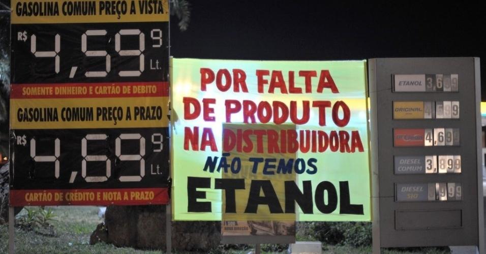 23.mai.18 - População faz fila nos postos de Brasília; combustível começa a faltar