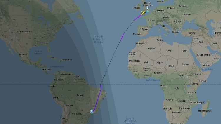 Avião chega a passar quase oito horas sobre o oceano em uma viagem de São Paulo a Londres - Reprodução/FligthRadar24