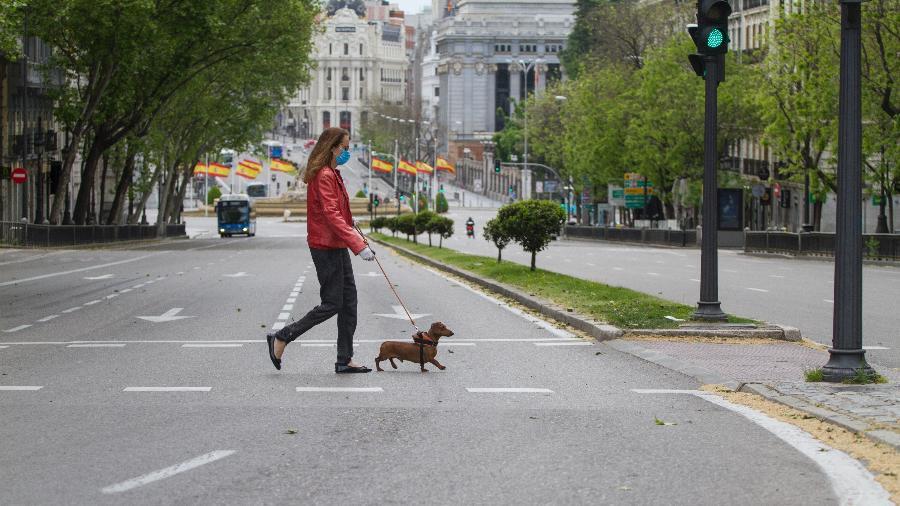 Ruas de Madri, na Espanha, praticamente vazias durante pandemia causada pelo novo coronavírus - Miguel Pereira / Getty Images