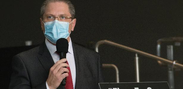 Pandemia se agrava no estado | A cada 2 minutos, 3 pessoas são internadas com covid em SP, diz secretário