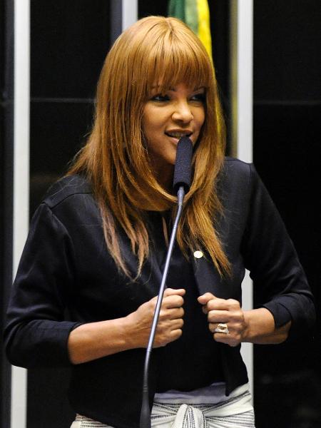 A deputada federal Flordelis (PSD-RJ) em sessão solene em homenagem ao Dia da Bíblia, em dezembro de 2018 - Cleia Viana/Câmara dos Deputados