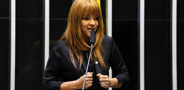 Câmara vai analisar | Caso Flordelis: Justiça afasta deputada acusada de mandar matar marido