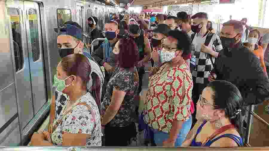 Movimento na estação Brás, da linha 3-Vermelha do metrô em São Paulo - Rivaldo Gomes/Folhapress