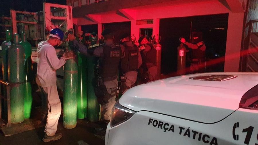 Mais de 40 cilindros de oxigênio foram apreendidos em Manaus - Divulgação/Força Tática