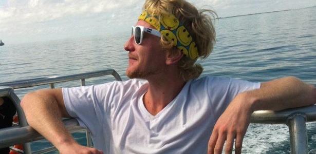 """""""Eu era um jovem bobo de 22 anos"""", justifica o australiano, que gastou quase R$ 5 milhões em dois anos  - Arquivo pessoal/ Luke Brett Moore"""