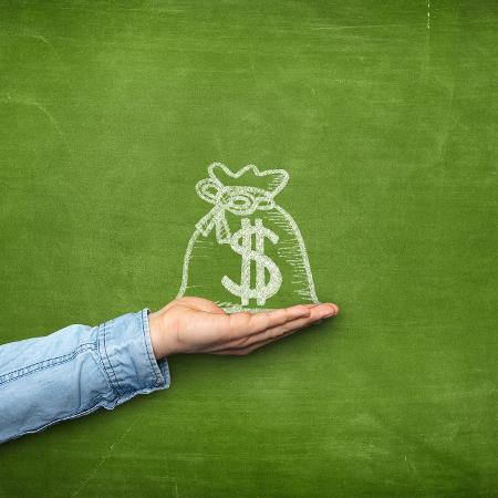 Segundo levantamento, a taxa média dos bancos pesquisados foi de 6,10% ao mês - Getty Images/iStockphoto
