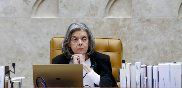 22.jun.2017 - Ministra e presidente do STF, Cármen Lúcia, durante sessão plenária