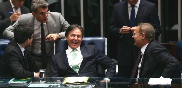 A mesa do Senado na sessão que adiou a votação sobre Aécio Neves (PSDB-MG)