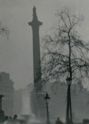 """Grande nevoeiro batizado de """"neblina assassina"""" matou quase 12 mil pessoas em Londres, em 1952"""