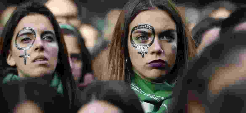 As argentinas já haviam ido às ruas em junho para pedir o oposto: a descriminalização do procedimento - Jorge Saenz/AFP