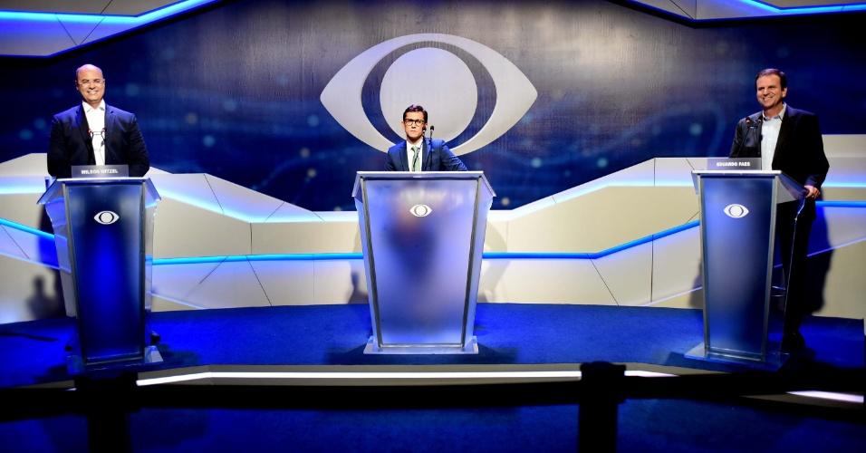 18.out.2018 - Os candidatos Wilson Witzel e Eduardo Paes durante o debate entre candidatos a governadores na TV Band no Rio de Janeiro (RJ), nesta quinta-feira (18)