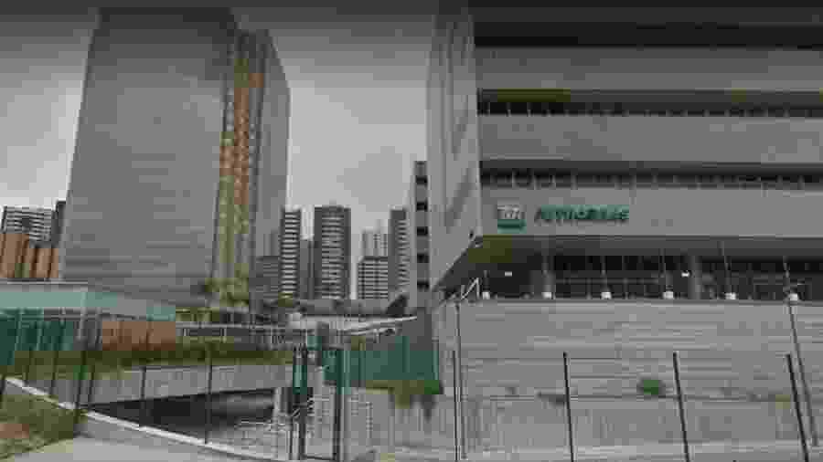 A Torre Pituba (à esquerda), em Salvador - Reprodução/ Google Street View