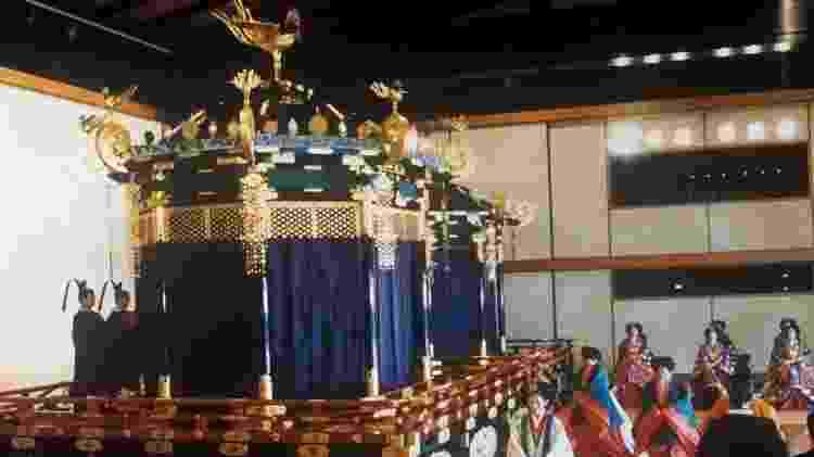 Trono imperial, ou Takamikura, conhecido também como Trono do Crisântemo - Getty Images