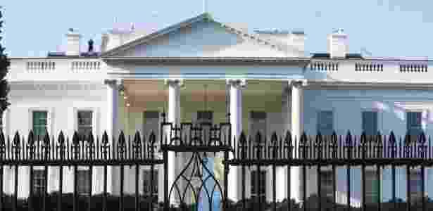 Agente do Serviço Secreto dos Estados Unidos trabalha na segurança da Casa Branca, a residência oficial do presidente norte-americano, em Washington D.C. - Zach Gibson/The New York Times