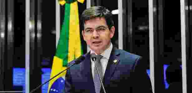 Randolfe Rodrigues (Rede-AP) quer que a PEC do fim do foro privilegiado seja incluída na pauta do plenário do Senado em março - Jonas Pereira/Agência Senado