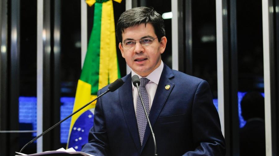 Randolfe Rodrigues (Rede-AP) argumentou que todos poderes têm realizado atividades de forma remota - Jonas Pereira/Agência Senado