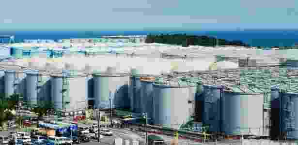 Reservatórios que irão guardar água radioativa na usina nuclear de Fukushima Daiichi, no Japão - Ko Sasaki/The New York Times