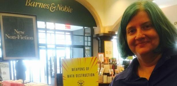 """Cathy O'Neil, ex-analista de dados de Wall Street que escreveu o livro """"Weapons of Math Destruction"""""""