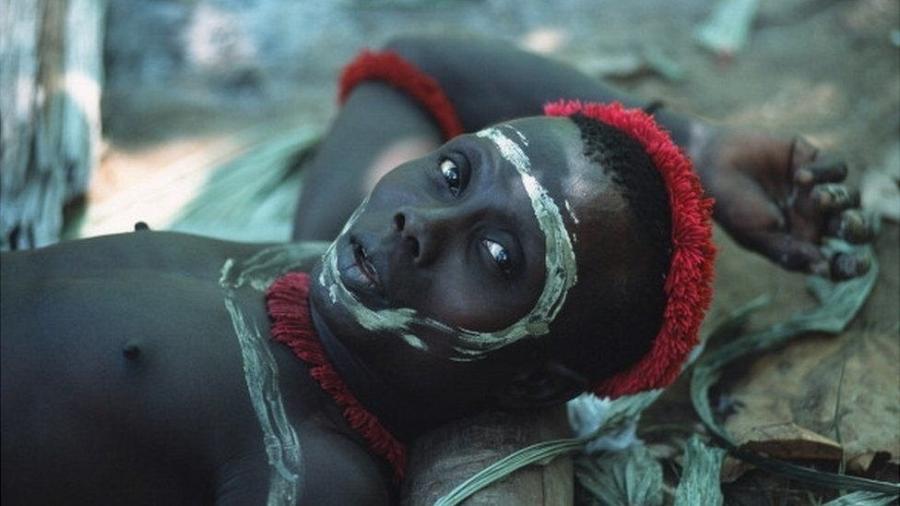 Integrante da tribo Jawara, que vive nas proximidades da ilha onde o americano John Allen Chau foi morto - Getty Images via BBC