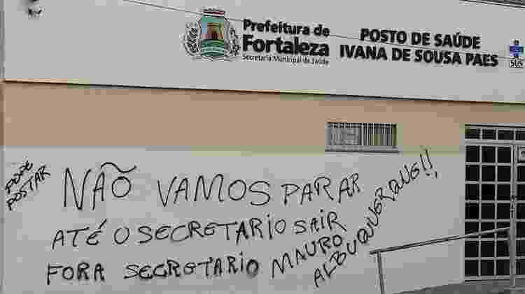 Pichação em posto de saúde de Fortaleza com ameaças - 05.jan.2019 - Arquivo pessoal