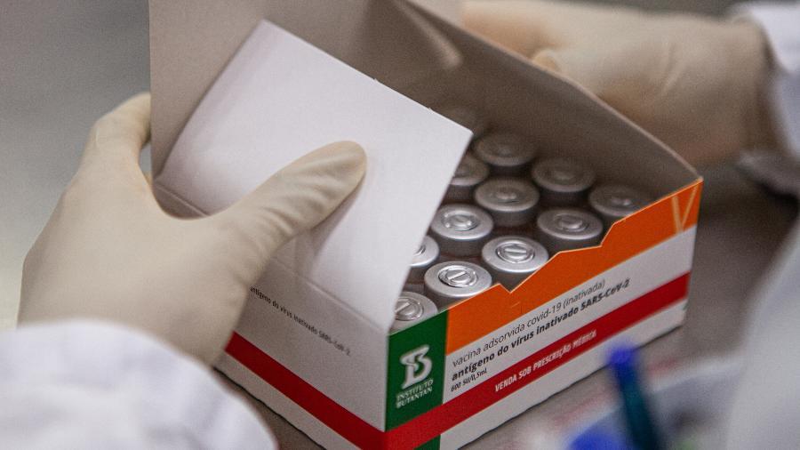 Contrato assinado entre o Butantan e o Ministério em janeiro prevê a entrega de 46 milhões de doses da CoronaVac até abril - Divulgação/Instituto Butantan