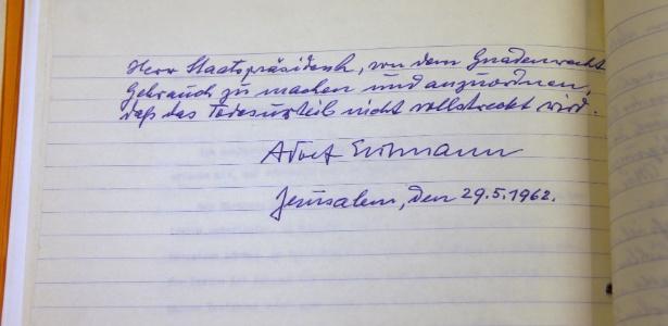 Carta em que o nazista Adolf Eichmann pedia clemência foi revelada em Israel durante cerimônia para marcar o dia de memória pelas vítimas do Holocausto
