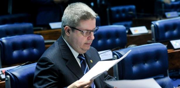 Relator confirma acusações contra Dilma e pede impeachment - Geraldo Magela/ Agência Estado
