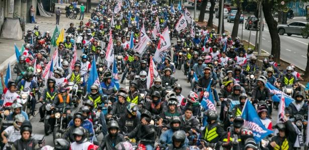 Contra aplicativos de frete, motoboys fazem ato nas avenidas de São Paulo e pedem regularização