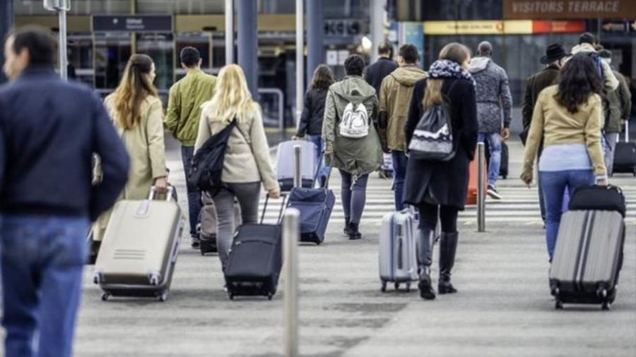 """99 mil brasileiros imigraram em 2017 para países da OCDE, o """"clube dos países ricos"""" - Getty Images"""