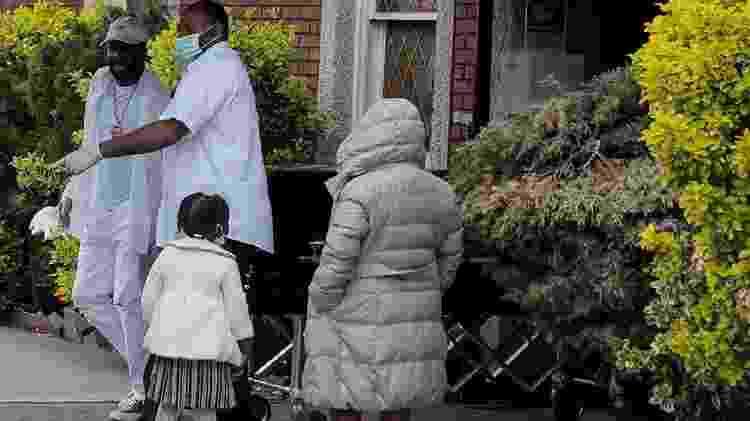 Estudos indicam que há preconceito implícito no sistema de saúde americano, o que faria com que pacientes negros sejam tratados de maneira diferente do que pacientes brancos - Reuters - Reuters