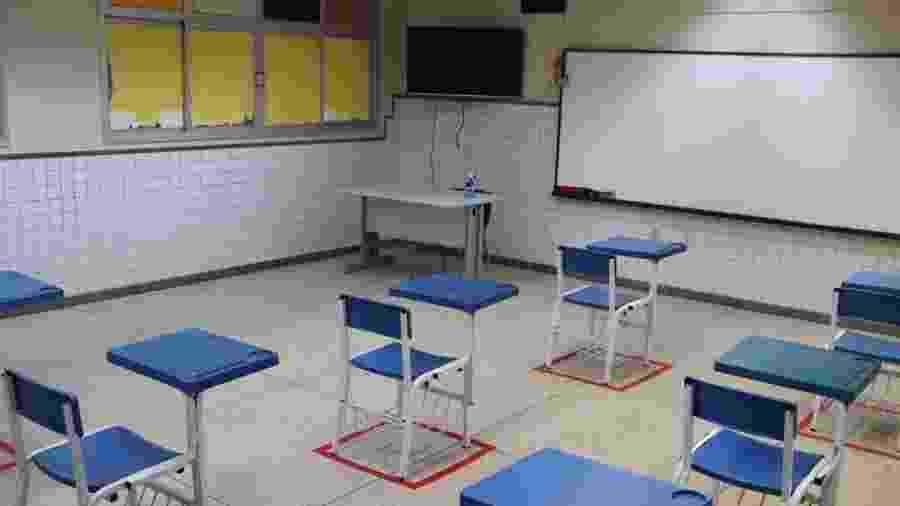 Sala de aula da rede estadual do Espírito Santo com marcações para impor o distanciamento entre os alunos,  - Divulgação