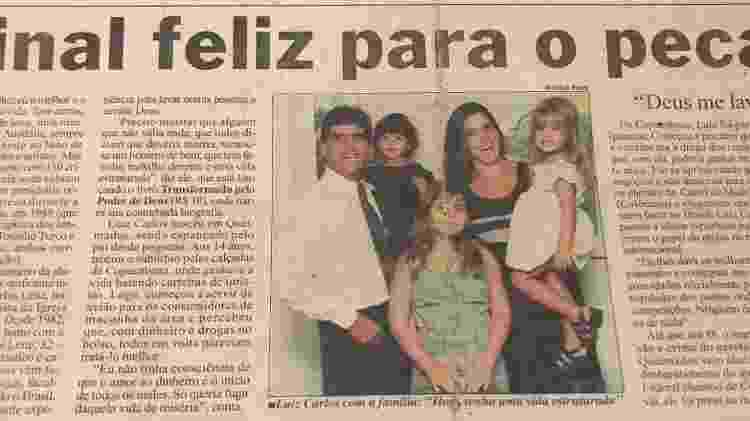"""A família posa para matéria de jornal: """"Final feliz para o pecado"""" - Reprodução/Arquivo Pessoal - Reprodução/Arquivo Pessoal"""