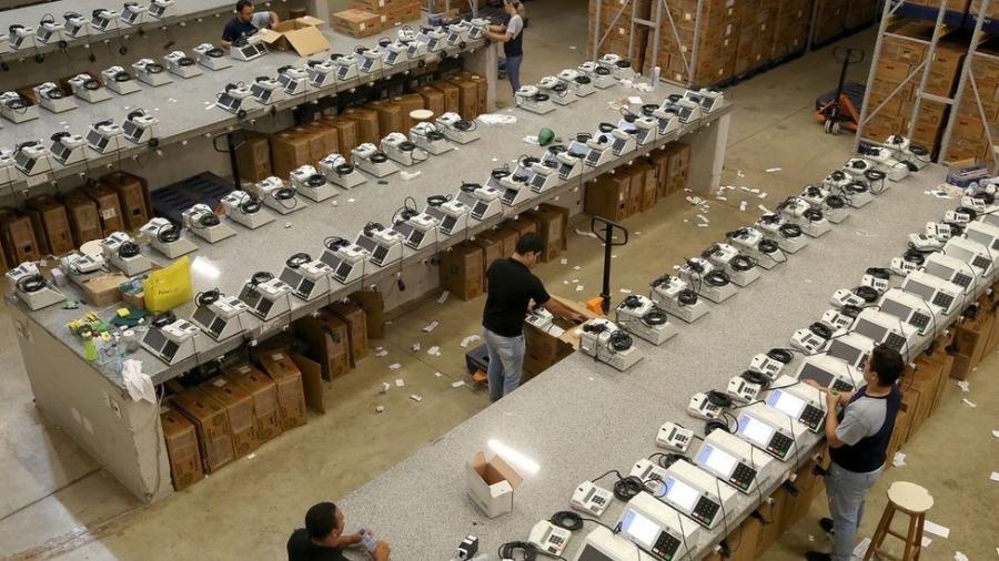 Urnas eletrônicas são organizadas no Mato Grosso; TSE tem vários canais oficiais para divulgar as informações sobre as eleições - Roberto Jayme/TSE