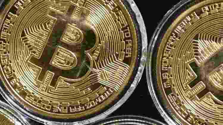 """Normalmente, os hackers oferecem uma """"amostra grátis"""" do produto oferecido. Se há opção pela compra, o pagamento é feito em Bitcoins, por dificultar o rastreamento do dinheiro. - Getty - Getty"""