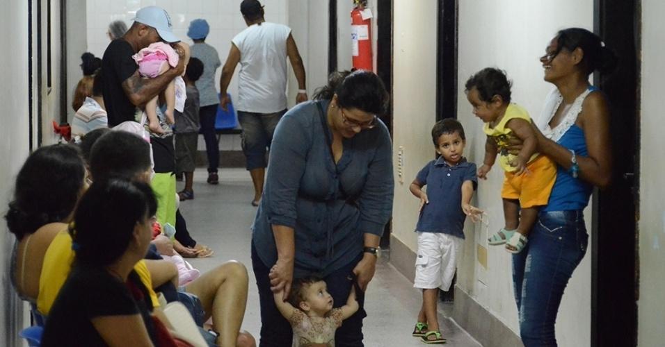 1.mar.2016 - Movimentação no hospital Barão de Lucena, em Recife (PE). A unidade é a principal maternidade de Pernambuco, referência em atendimento e partos de alto risco. Foi de lá que saiu o primeiro comunicado oficial, enviado à Secretaria Estadual de Saúde, sobre um aumento inesperado de casos de microcefalia