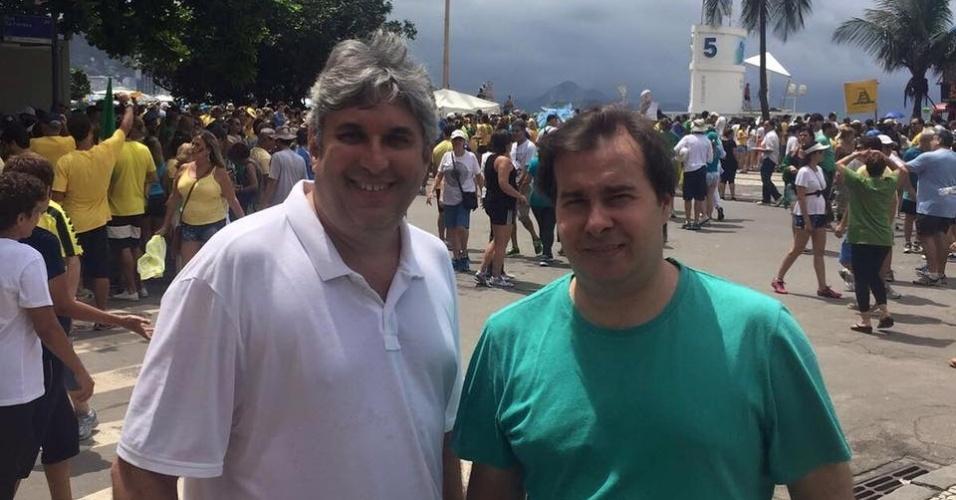 13.dez.2016 - Citado na delação do ex-executivo da Odebrecht, o presidente da Câmara Rodrigo Maia (PMDB-RJ) participou de protesto no Rio contra a corrupção em maio de 2016