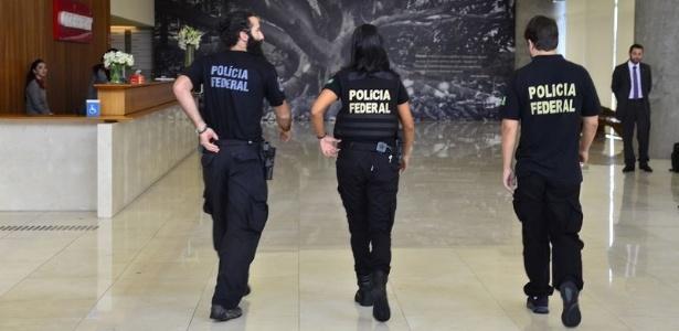 Agentes da PF na sede de São Paulo da Odebrecht