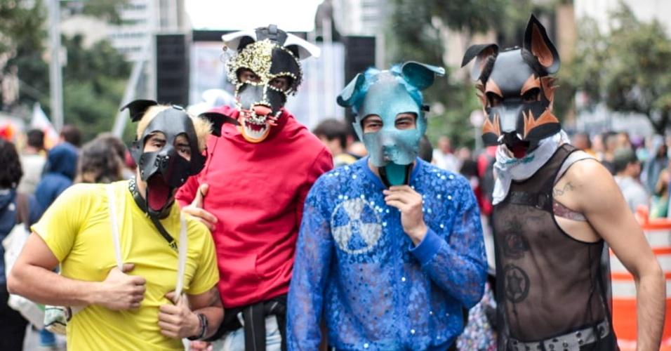 3.jun.2018 - Público vai à Parada fantasiado; cores e objetos coloridos são marca da 22ª Parada do Orgulho LGBT que acontece neste domingo (3) em São Paulo