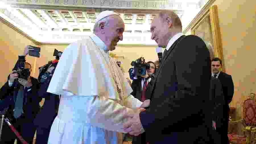 Presidente da Rússia, Vladimir Putin, encontra com o Papa Francisco no Vaticano - Vaticano/via Reuters