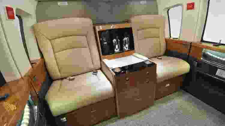 O interior do Sikorsky S-76 pode contar com frigobar e climatização - Divulgação/Sikorsky