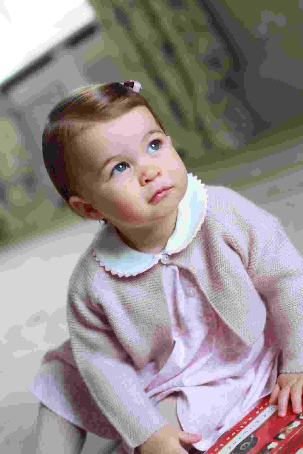 Princesa Charlotte, ao compeltar um anos de idade, em 2016 - The Duchess of Cambridge/AFP
