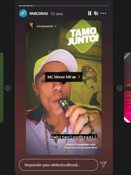 MC Menor mostra nos stories do Instagram cigarro eletrônico recebido - Reprodução/Instagram