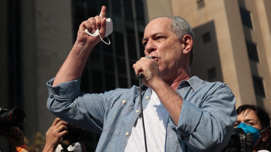 O ex-ministro Ciro Gomes, pré-candidato pelo PDT à presidência da República em 2022,  discursa durante protesto pedindo o impeachment do presidente Jair Bolsonaro  - Lucas Martins/Estadão Conteúdo