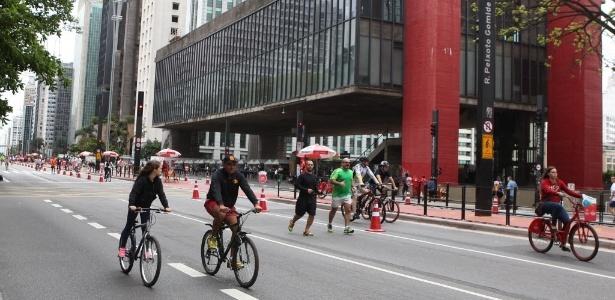 Ciclofaixas de lazer e ruas para pedestres abrem mais tarde neste domingo - Junior Lago/UOL