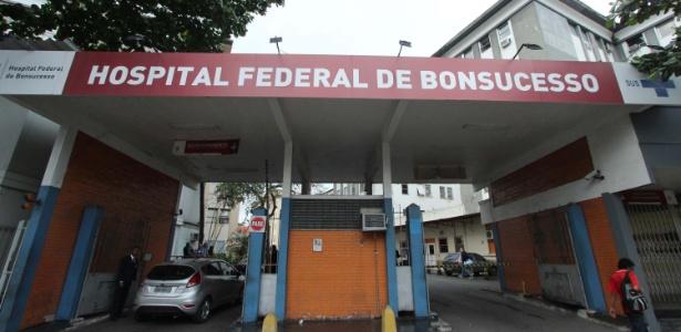 Policial se desesperou após errar entrada da emergência de hospital em Bonsucesso